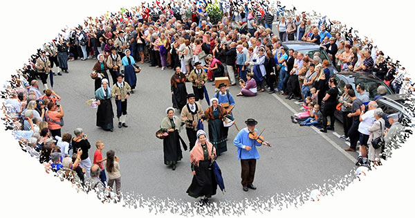 section folklore d'ugine : la pastourelle du val darly, groupe de folklore albertville, savoie, danses, chants, costumes